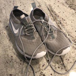 Nike Junenate sneaker